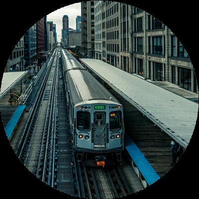 adams-wabash-train-line-towards-chicago-loop-P8JURXL